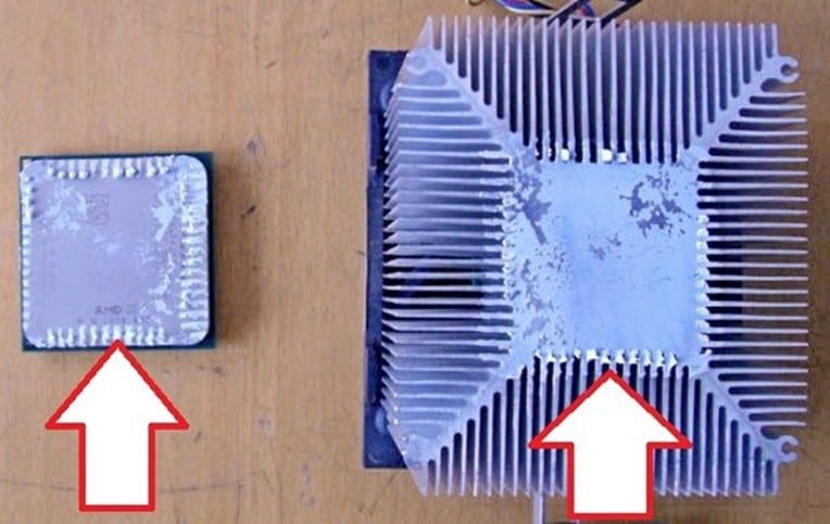 засохшая термопаста на процессоре и радиаторе