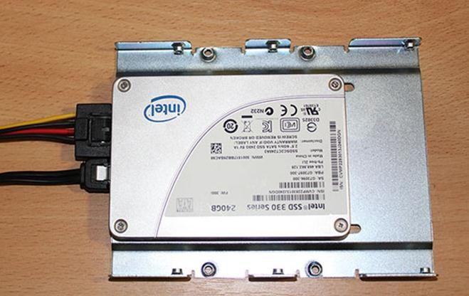 Как установить SSD диск: диск в салазках