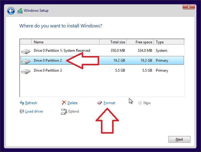 выбираем раздел для установки Windows 10