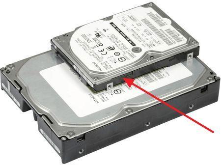 Разница в размерах между 2.5 и 3.5 дюймовыми жесткими дисками