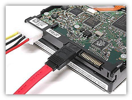 Жесткий диск пропадает из-за плохого контакта с SATA кабелем